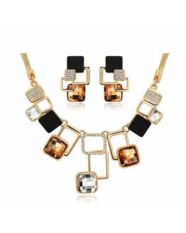 New Fashion Crystal Necklace